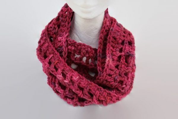 Hand dyed wool Pink Infinity Scarf