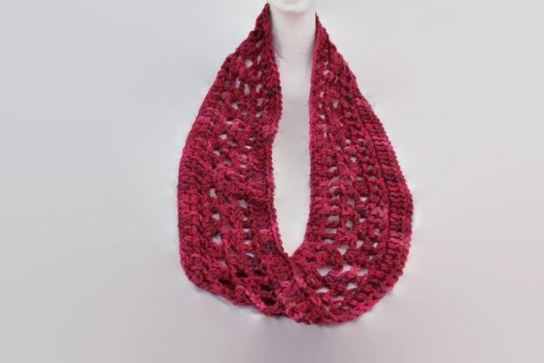 Ladies Crochet Infinity Cowl Scarf Neckwarmer. Hand Dyed Chunky Wool. Pink variegated. Gift for Her RTS