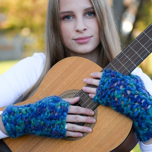 Lovely Chunky Blue Hand-Dyed Mitts (2)