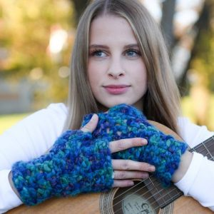Lovely Chunky Blue Hand-Dyed Mitts (4)