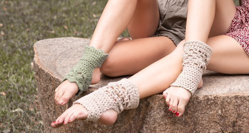 Exercise socks on women - one pair kiwi green and the other pair beige - 3