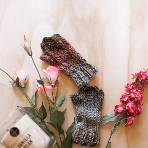 Bloomin' Comfy Mitts- Flatlay in Bloom 1